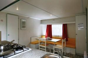 Mobil home CLASSIC Toit Plat 2 chambres 6 personnes cuisine